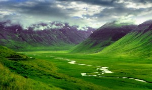 Travel-to-Iceland--hills
