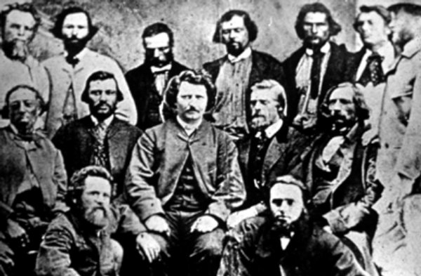 a description of louis riel as a hero 5 facts about manitoba's founder louis riel louis riel was a hero and eloquent spokesman for the people name: email: description of issue: translate.