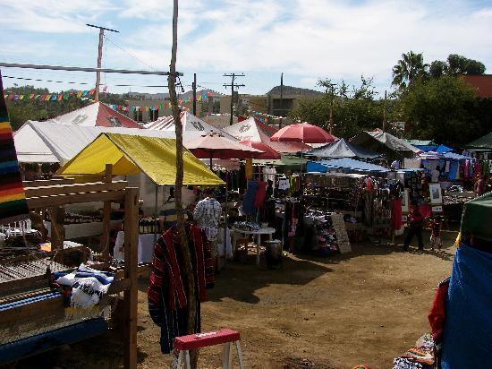 outdoor-flea-market-with